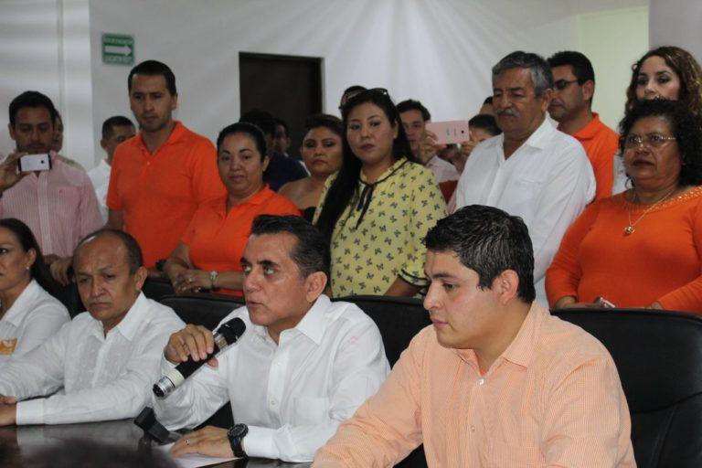 Se registra Miguel Ramón como candidato a diputado federal